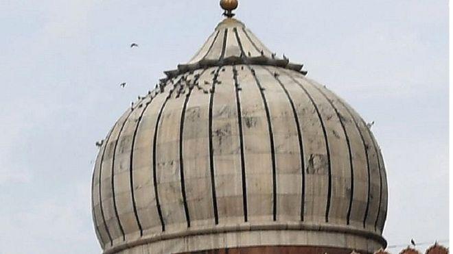 _102277466_mosque.jpg